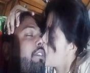 Desi couple romance and kissing from indian new cpl romance and deep sex
