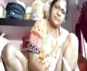 TIRUNELVELI TAMIL DELPHINE AUNTY SHOWING PUSSY HOLE from indian aunty back holes fucking